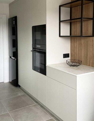 columna de horno y microondas para cocina