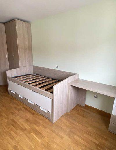 dormitorio juvenil en tonos claros
