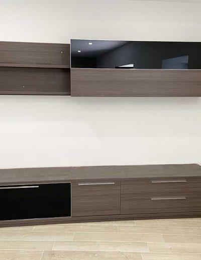 Mueble de salón en color marrón oscuro